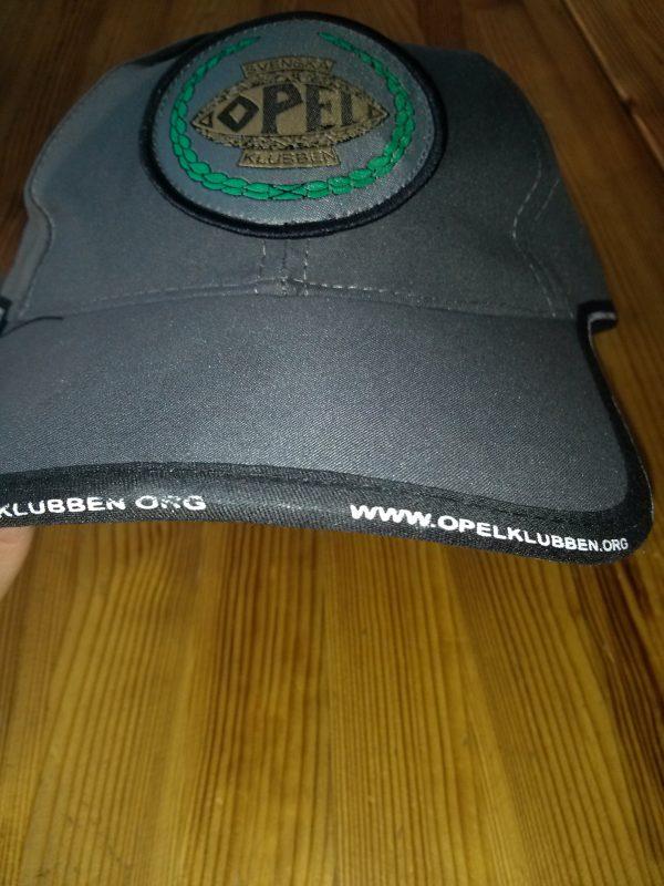 Keps med Svenska Opelklubbens logga